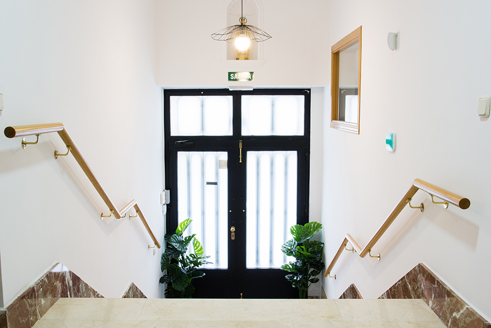 hall de entrada residencia Tomás Moro de Trilema