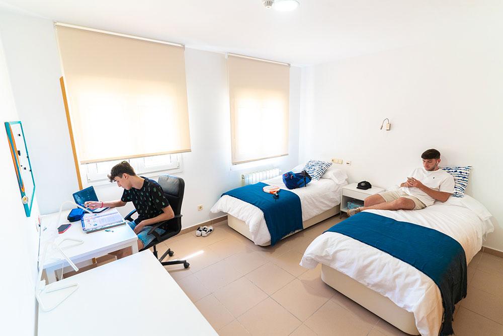 habitación doble residencia Tomás Moro